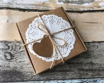 30x Natural Kraft Paper Boxes with Tags, Doilies, Jute Twine | Bomboniere Favour Box | Wedding & Party Baby Shower Christmas Gift Boxes
