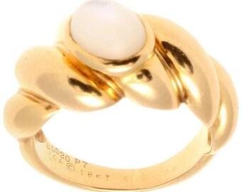 Van Cleef & Arpels Moonstone Gold Ring