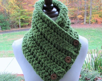 Green Chunky Cowl, Crochet Scarf, Boston Harbor Scarf, Button Cowl, Winter Accessory, Gift for Her, Christmas Gift, Handmade Scarf