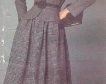 1980s Valentino Womens Peplum Jacket & Skirt Vogue Sewing Pattern 2566 Size 8 Bust 31 1/2 UnCut 80s does 40s Designer Original Pattern