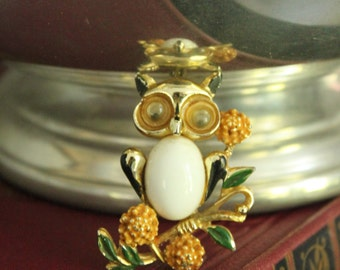 Vintage White body, enamel Googly eyed OWL BROOCH/ Pin, Vintage gold owl Pin on flowering branches