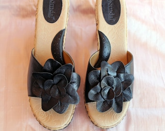 Black leather wedge sandal with rose detail