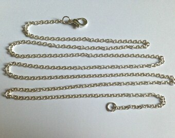Chain 73 cm with lobster clasp.