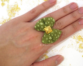 Olive Star-Sprinkled Puffy Bow Ring