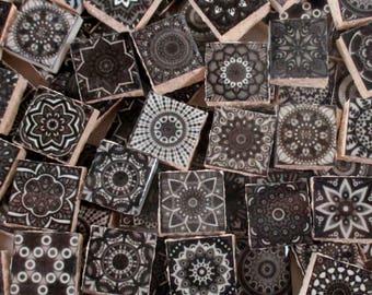 Tessere di mosaico in ceramica medaglioni rosa giallo blu