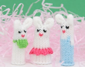 Bunny Family Finger Puppet Set (Includes Dad Bunny, Mom Bunny, Brother Bunny, Sister Bunny, and Baby Bunny).  We can create custom orders.