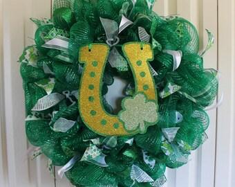 St. Patrick's Day Wreath Lucky Horseshoe Deco Mesh Wreath.  Green Glitter Ribbon St. Patrick's Day Decor.  St. Patrick's Day wreath.