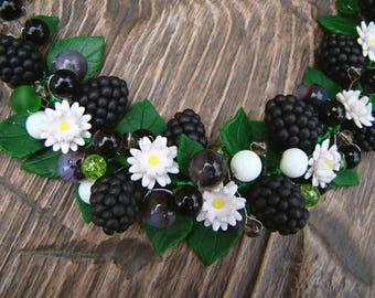 Necklace dewberry blackberry berries flowers leaves