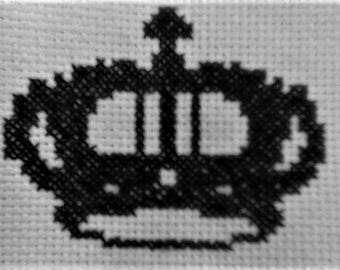 Cross stitch crown, counted cross stitch PDF pattern. Instant download.