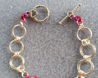 Chainmaille Bracelet - Triple Chain maille rose center, Link Bracelet