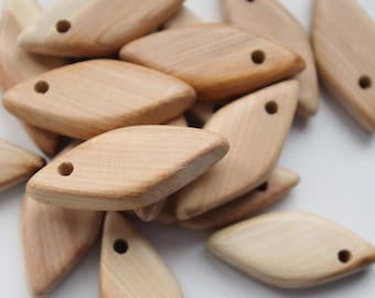 Set of 5 juniper wooden rhombs with hole - natural eco friendly - teething necklace