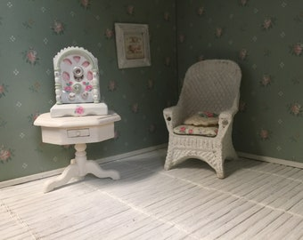 shabby chic dollhouse radio - free shipping to the US