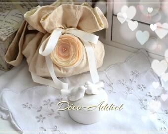 Beautiful pouch, damask ecru and beige chiffon flower