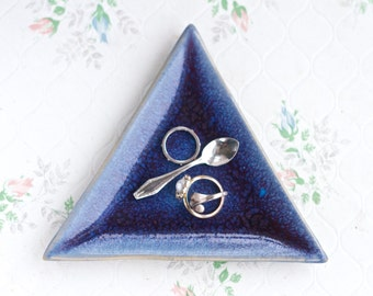 Speckled Navy Blue Triangle Ring Holder - Earthenware Trinket Dish - Geometric Home Decor