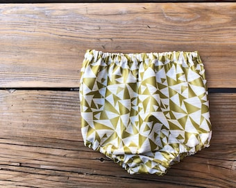 Baby girl Bloomers- geometric print pattern gold outfit High waisted shorts baby gold geometric size 0-3 month old girls baby shower gift