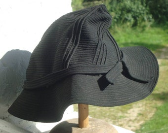 Vintage hat from 40s France - a great titfa