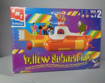 BEATLEmania! YELLOW SUBMARINE, Plastic Model Kit. John Lennon,Paul McCartney,George Harrison,Ringo Star,Animated Cartoon Cult Movie, Sealed