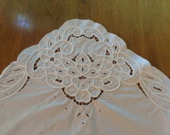 White Cotton Embroidery Tablecloth and Napkins