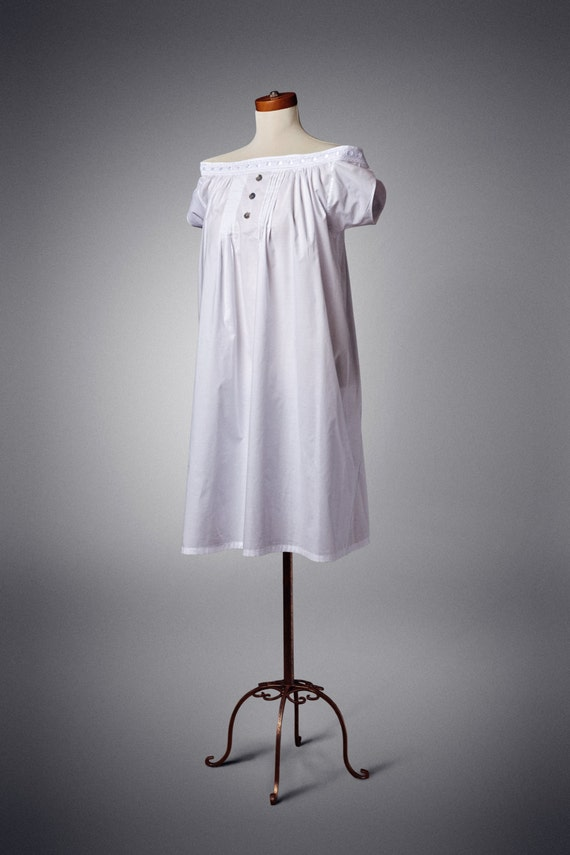 Victorian Lingerie – Underwear, Petticoat, Bloomers, Chemise Mid-Victorian Chemise Xs-XxlMid-Victorian Chemise Xs-Xxl $49.87 AT vintagedancer.com