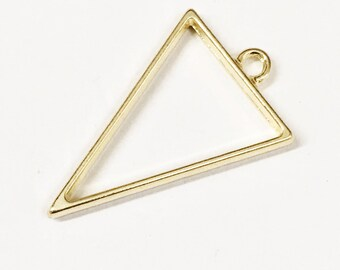 8 Gold plated alloy Triangle  pendant  39x25mm, Light Gold finished triangle pendant