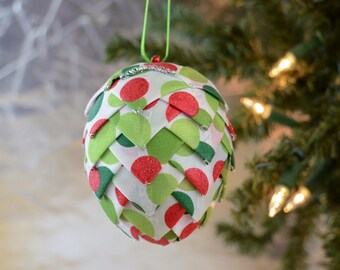 Funky Polka Dot Christmas Ornament Modern Handmade Red Green Folded Ribbon Pine Cone Decoration for Holiday Tree Office Gift Exchange Idea
