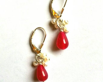 Stud Earrings in solid 925 sterling silver, freshwater pearls and Red Jade