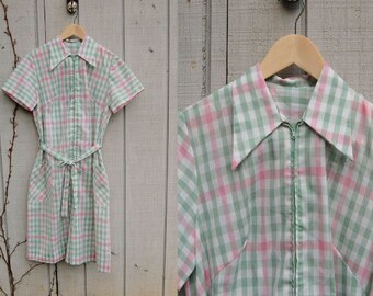 1960s / 1970s Mint Green and  Baby Pink Gingham Zip Up Pastel Day Dress