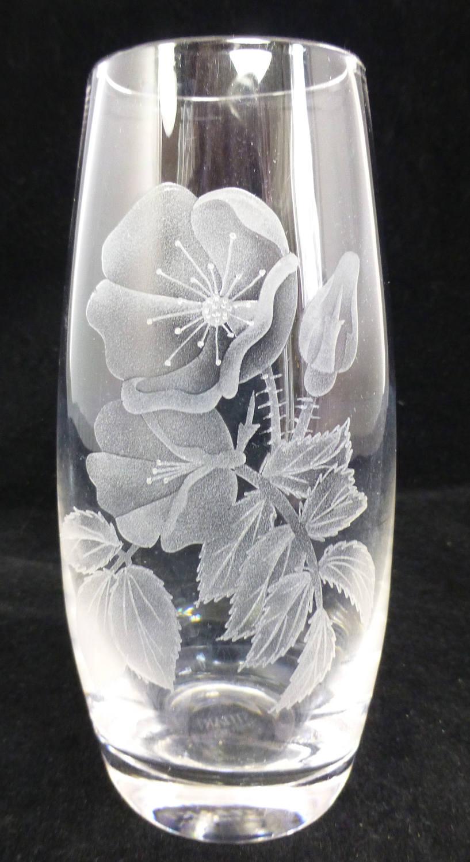 Stuart strathearn lead crystal glass etched wild rose oval description an attractive stuart strathearn lead crystal reviewsmspy