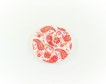 Red pattern wooden button