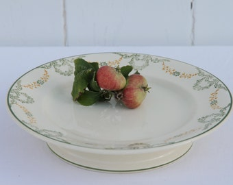 Longwy 'Georges' presentation plate stand, French vintage