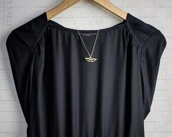 Collier origami, Collier or bateau, collier géométrique, collier géométrique bateau, délicat collier, cadeau de moins de 50, cadeau pour elle