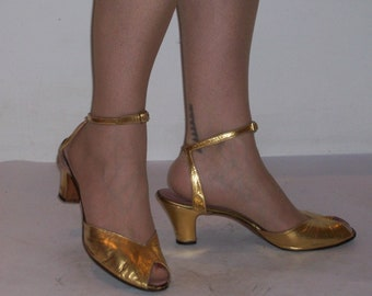 Glamourous 1940s gold leather evening heels w/ankle straps US 9 1/2 / UK 7 1/2 Ted Saval
