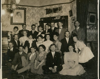 vintage photo Victorian Large Group in Living room