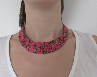 Textile jewelry, ethnic necklace, bib necklace, liberty willshire, red, gift for mothers, crew neck, African necklace