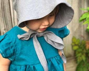 Reversible Linen Bonnet