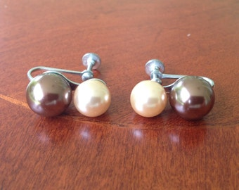 Vintage Mid Century Faux Double Pearl Earrings / Cream and Bronze Colored Faux Pearl Screw Back Earrings / 1950s 1960s Screw On Earrings