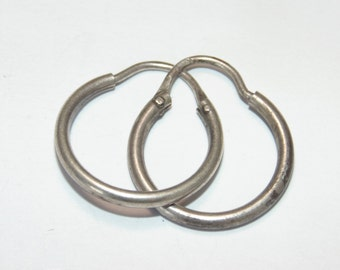 "Sale SE113+ Vintage Estate Sterling Silver Small Tube Hoops Hoop Pierced Round Circle Cute Earrings 1 gram .925 Jewelry  0.75"" For Her"