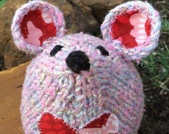 Knitted pink mouse softie