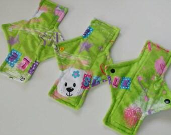 3pc cloth pad starter set, minky, printed, light, moderate, super, made on order, choose length, fleece backed, square shape,starter pack