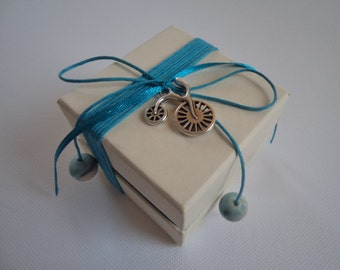 Ivory-turquoise paper box favor/bomboniere - Bicycle