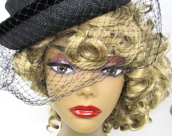Vintage hat with net