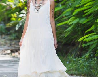 White maxi dress/ W02