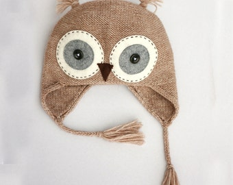 Baby Owl knit hat in beige color, knitted in wool alpaca blend, lightweight and perfect as a photo prop