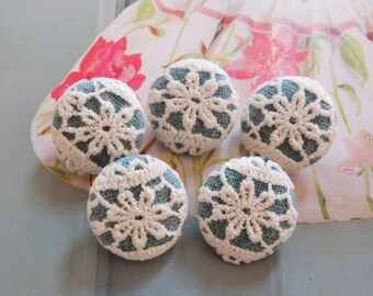Chic Embroidery Victorian Rustic White Floral Flowers On Teal Green-Handmade Fabric Covered Buttons(5Pcs, 0.75 Inches)