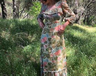 70s Floral Longsleeve Prairie Style Maxi Dress - Gunne Sax Style