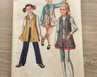 Simplicity 8986 Vintage Girls Pattern 1970 size 12
