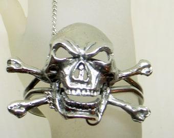 Vintage Sterling Skull Bracelet - BIG Heavy Silver - Signed - Goth - Biker - Grunge - Ring - Man - Woman - Unisex - 7.5 - 8.5 Wrist