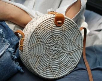 White Flower Handwoven Round Rattan Beach Bag Bali - Natural Ata Grass Shoulder Bag With Lotus Pattern