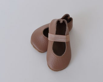 ballet flats /soft soled leather shoes / baby moccasin moccs / brown rose