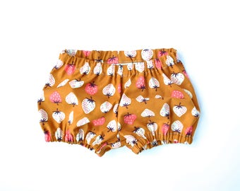 Strawberry Print Baby Bloomers.  Classic Bloomers in Ochre and Strawberry. Vintage Inspired Baby Clothing.  Retro Baby Bloomers